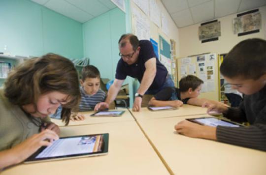 Tablettes et écrans : mode d'emploi pour préserver les enfants