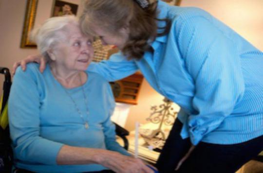 Alzheimer : trois malades sur cinq sont des femmes