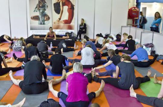 Ménopause : le yoga améliorerait les insomnies