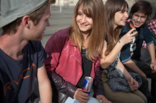 La consommation de boissons énergisantes souvent associée à d'autres drogues