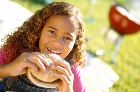 Trop de fast-food pourrait altérer les résultats scolaires