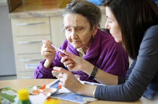 Maladie d'Alzheimer : des spécialistes répondent aux 5 questions clés