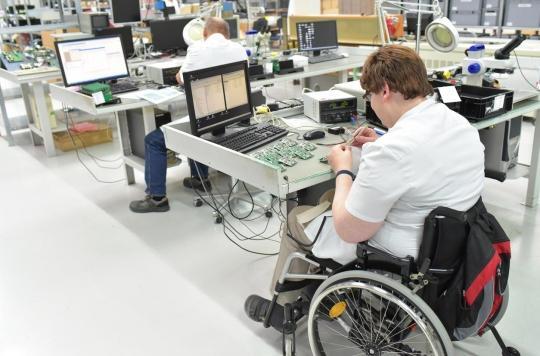 Respirateurs et autotests : quand les handicapés se mettent au service de la crise sanitaire