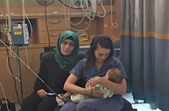 Jérusalem : une infirmière israélienne sauve un bébé palestinien en l'allaitant