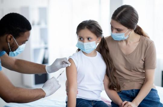 Tous vaccinés à la fin de l'été ? Le Dr Lemoine décrypte les propos présidentiels