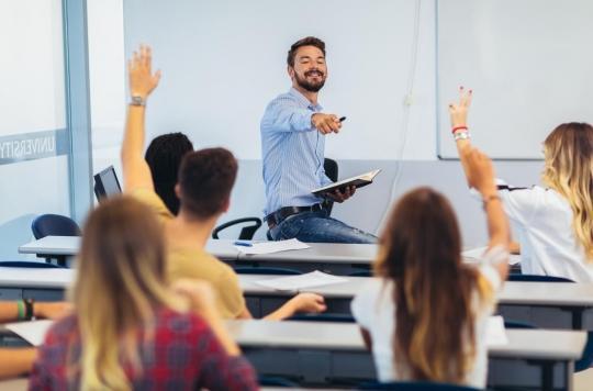 Retour obligatoire à l'école : les professeurs dans le \