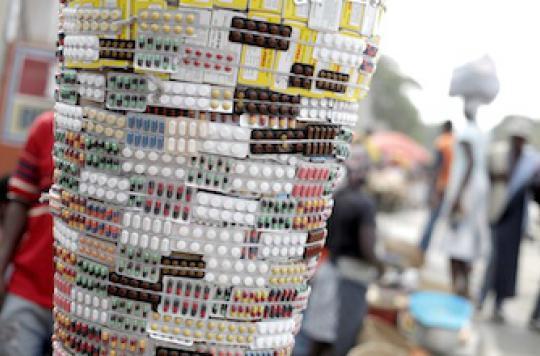 Contrefaçon de médicaments : du citoyen au crime organisé