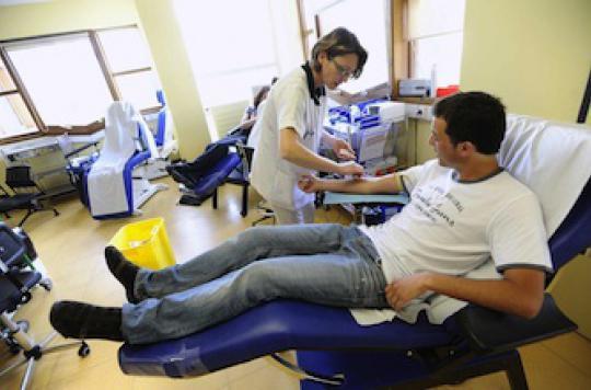 Don du sang :  changer les règles pour les homosexuels