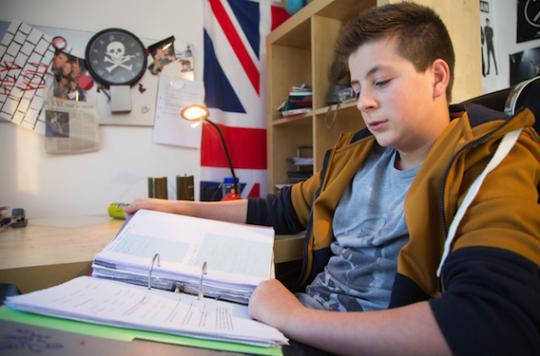 Bégaiement : adapter la prise en charge des adolescents