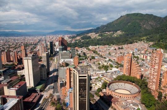 A Bogota, une femme maire mène la lutte contre Covid-19