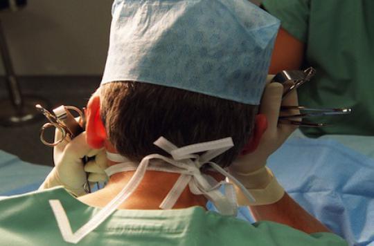 Pourquoi les chirurgiens retournent au bloc