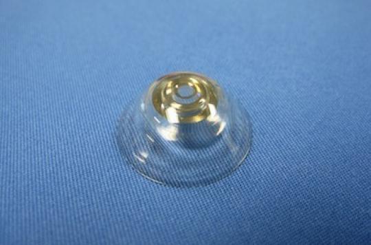 Des lentilles télescopiques pour aider les déficients visuels