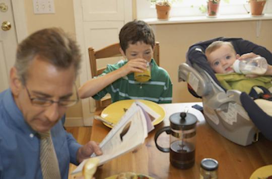 La paternité tardive nuit à la santé mentale du bébé