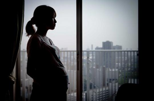 Grossesse et sexualité : les craintes des femmes passées au crible