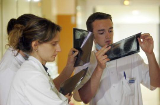 Les femmes-médecins sacrifient leur carrière pour leur ménage