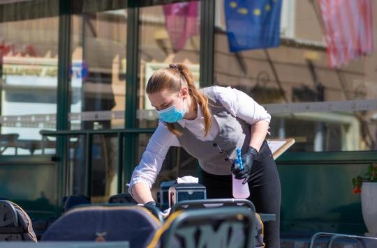 La distanciation sociale, un casse-tête pour les cafés et restaurants