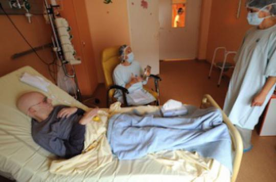 Cancer : la moitié des malades perdent un quart de leurs revenus
