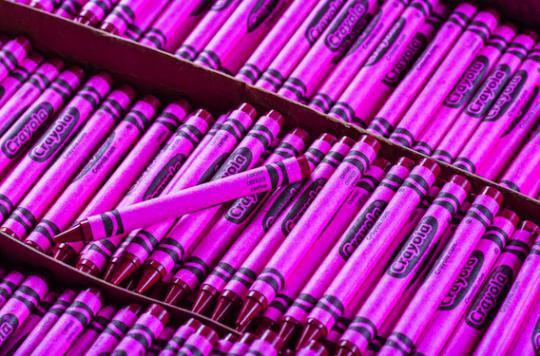 Se maquiller avec des crayons de couleur : la mise en garde de Crayola