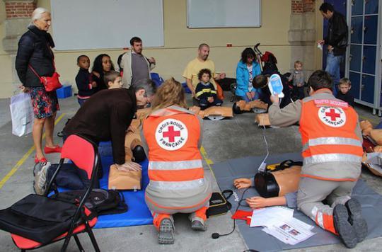 Premiers secours : la Croix Rouge part à la rencontre des vacanciers