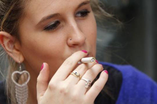 La e-cigarette serait loin de décourager les jeunes du tabac