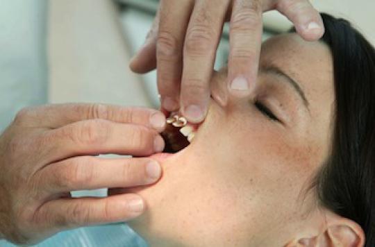 Carie, détartrages : les dentistes veulent  doubler leurs tarifs