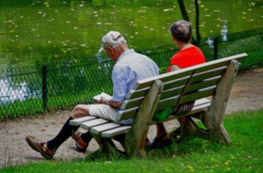 Après 60 ans, chaque heure passée assis double le risque de handicap