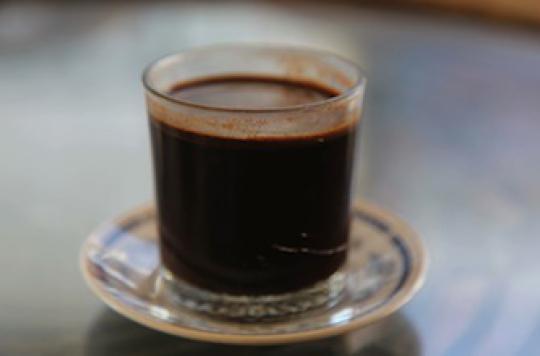 Le café en excès fait grossir