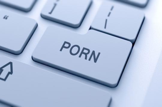 Pornographie : montrer l'exemple réduit les rapports non protégés