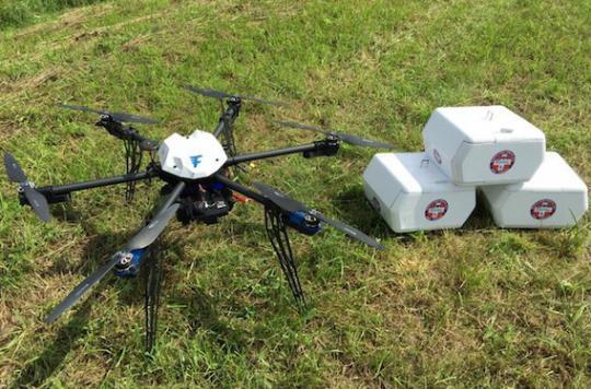 Etats-Unis : un drone livre des médicaments à une clinique