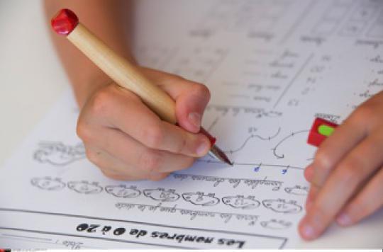 L'excès de compliments peut être contre-productif chez un enfant en manque de confiance