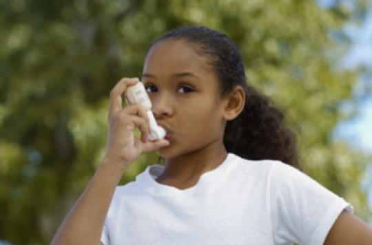 Asthme : les corticoïdes ralentissent légèrement la croissance