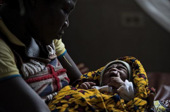 Ebola : une chute inquiétante des accouchements en maternité