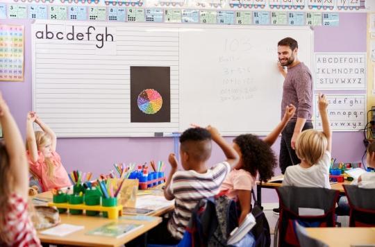 Professeur volontaire, Paul se partage entre présence en classe et télétravail