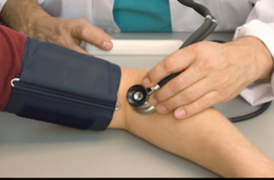 La préhypertension expose à un risque d'AVC