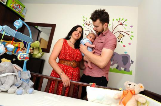 La naissance du premier enfant plombe le moral des parents
