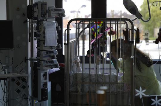 Pays-Bas : des médecins plaident pour un droit à l'euthanasie aux moins de 12 ans