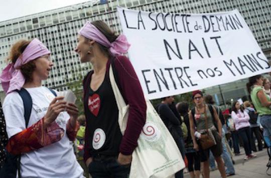 Les sages-femmes maintiennent la grève dans les maternités