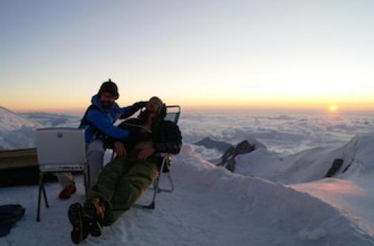 Mal des montagnes : des scientifiques l'étudient dans l'Himalaya