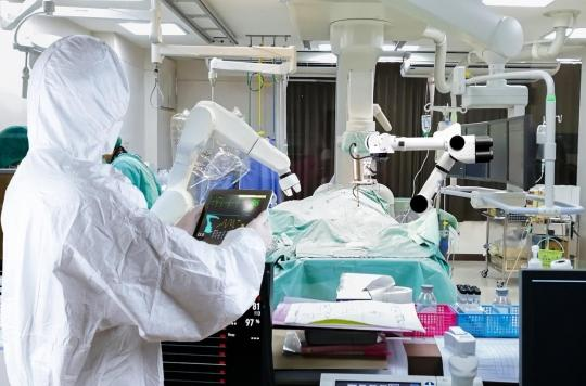 Cancer : première destruction de métastases au foie guidée par robot