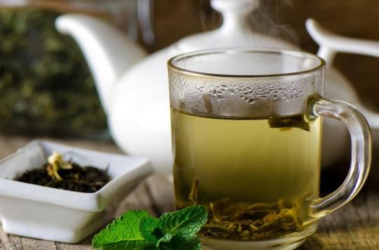 Comment boire du thé vert réduit le risque de décès des survivants d'un AVC