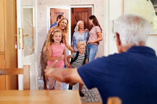 La garde des petits-enfants : un motif pour dépasser les 100 kilomètres de déplacement autorisés ?
