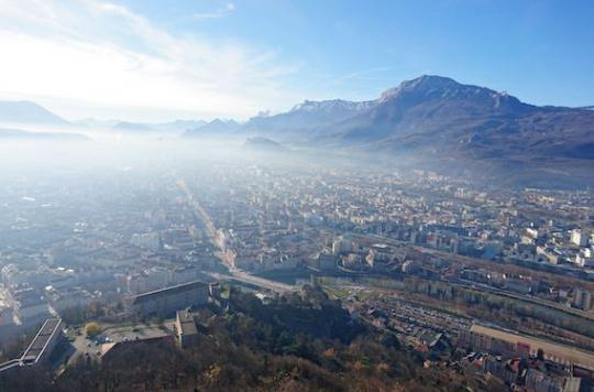 Pollution : Grenoble rétablit la vignette auto