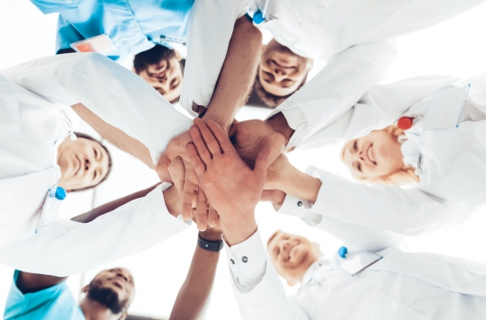 Des scientifiques de 34 pays font équipe pour lutter contre la colite ulcéreuse