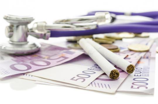 Tabagisme : la prévention par l'argent à l'essai
