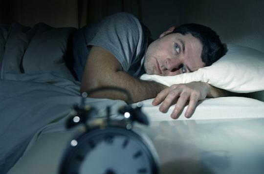 Etude: pourquoi le manque de sommeil stimule l'appétit