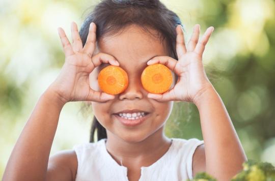 Pour encourager votre enfant à manger sainement, montrez-lui des émissions culinaires