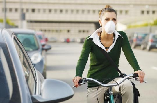 Port du masque à Paris : des dérogations pour les sportifs et les fumeurs