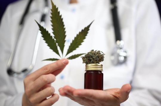 Un nouveau-né devient le premier bébé au monde à participer à un essai de thérapie au cannabis