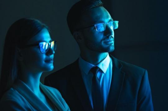 Lumière bleue : les lunettes protectrices améliorent le sommeil et la productivité au travail