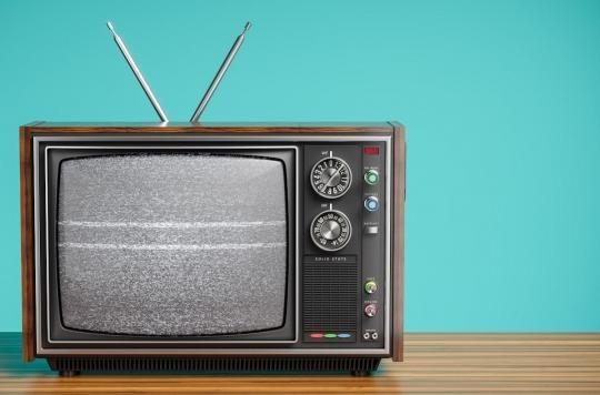 Trop regarder la télévision entraînerait une baisse des fonctions cognitives dès l'âge de 40 ans